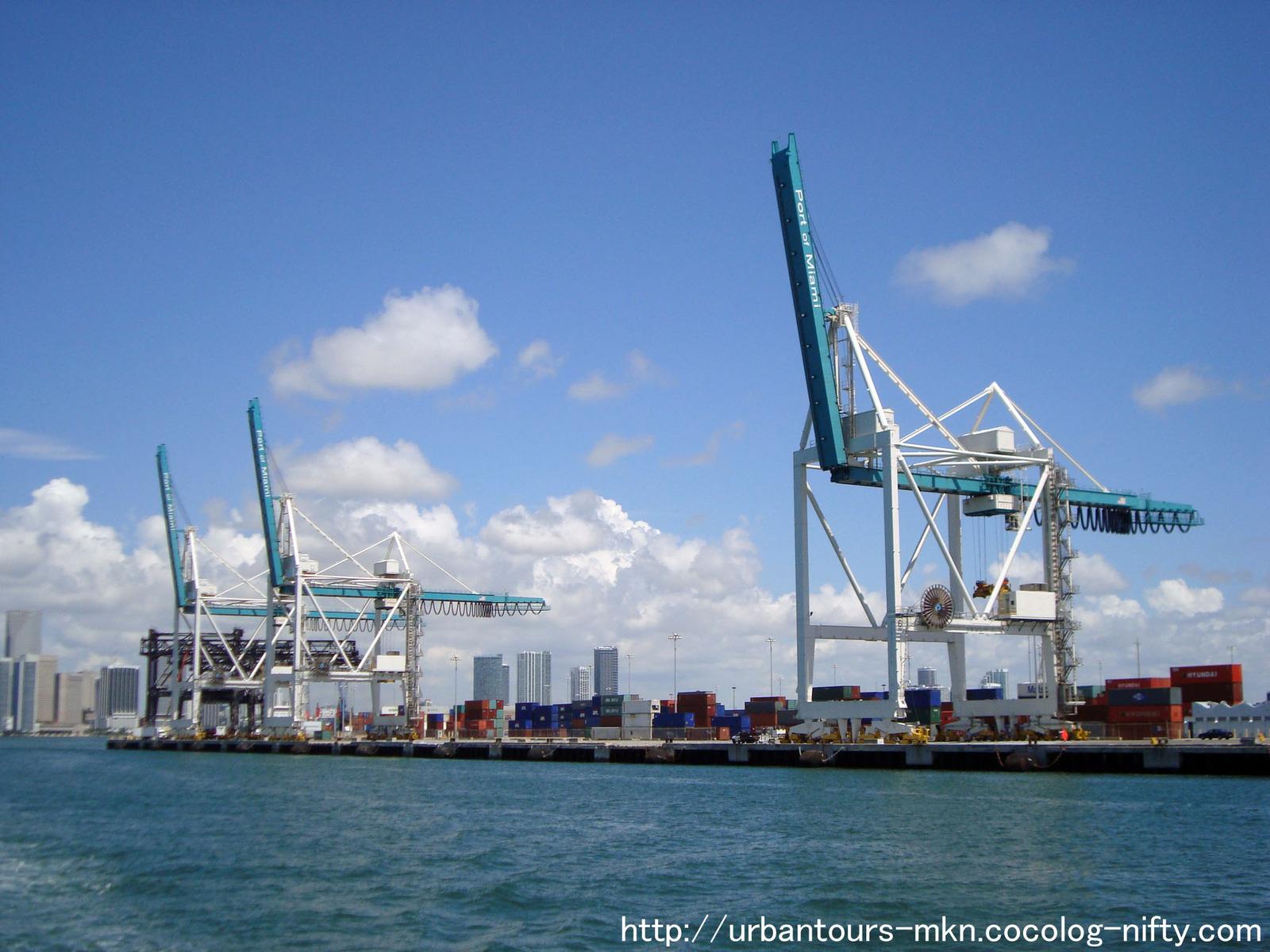 77-14 マイアミ港(米国・マイアミ): URBAN TOURS